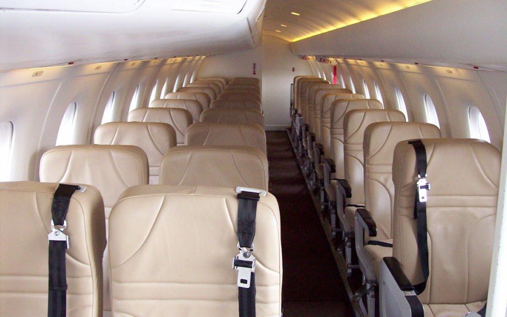 Dornier 328 jet interieur